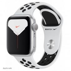 Apple Watch Nike Series 5, 44 мм, корпус из алюминия серебристые, спортивный ремешок Nike цвета чистая платина/черный